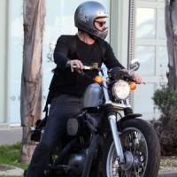 Resultado de imagen de motocicleta con la luz encendida